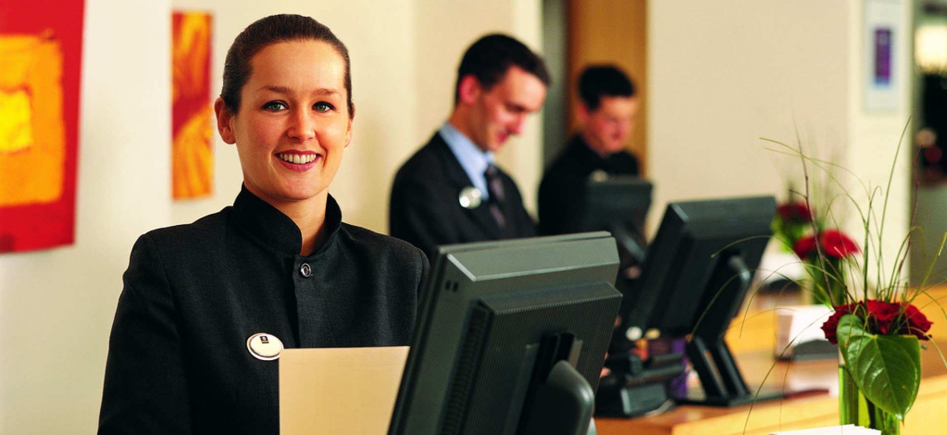 cropped-hotel_software_reception1.jpg